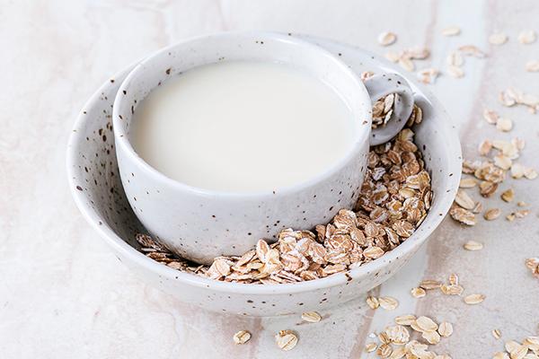Cách làm sữa yến mạch cho bé yêu