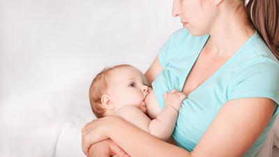 Mẹ cần phải cho bé bú đúng cách tránh tình trạng mất sữa