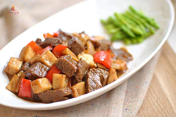 thịt bò xào măng tây