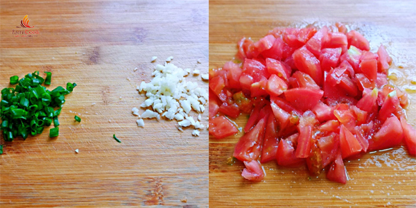 thịt gà sốt cà chua