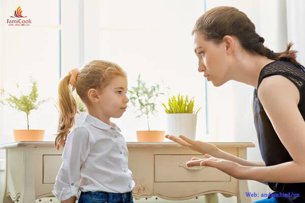 9 điều người lớn không nên làm với trẻ nhỏ