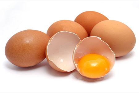 Trứng gà thường gây dị ứng đối với trẻ nhỏ dưới 1 tuổi