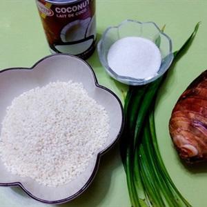 Nguyên liệu nấu chè khoai môn lá dứa